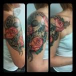 Superb Skull and Roses shoulder piece
